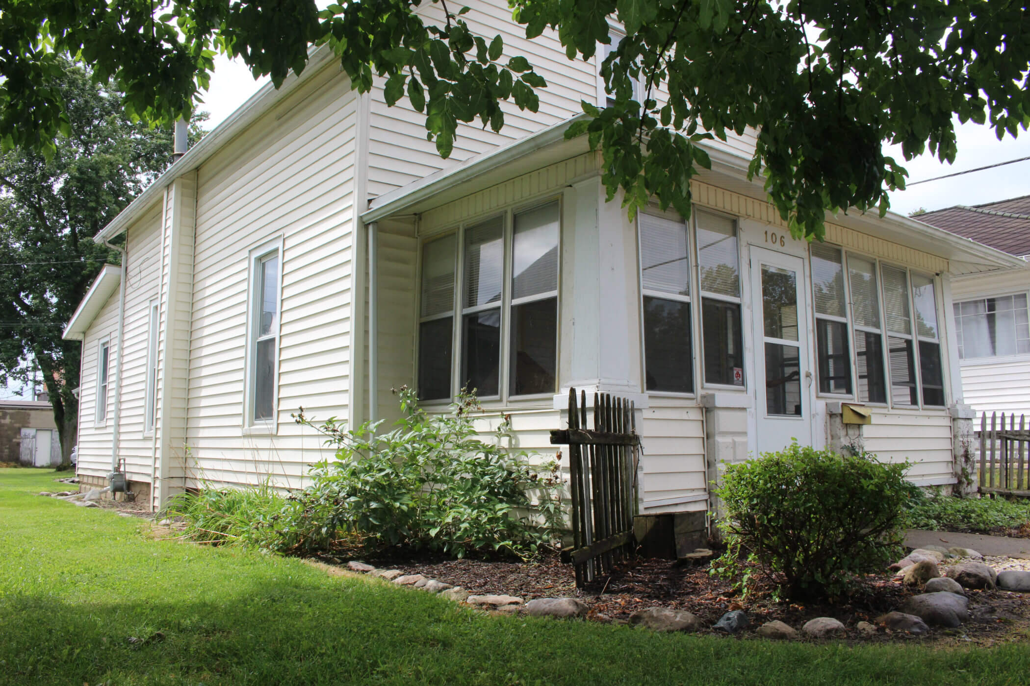 Fort Wayne Country Home For Sale