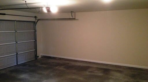 Garage Available Near Downtown Fort Wayne Perfect for Storage, Woodworking, Auto Repairs
