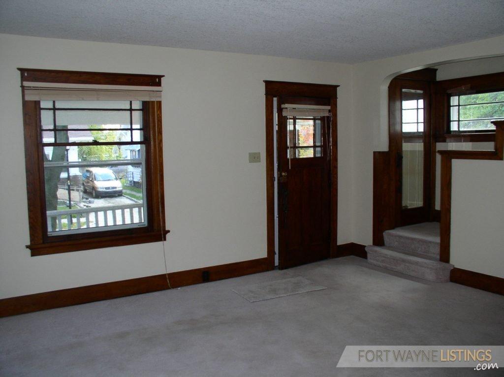 Nice Fort Wayne Home Has Finished Bonus Room In Daylight